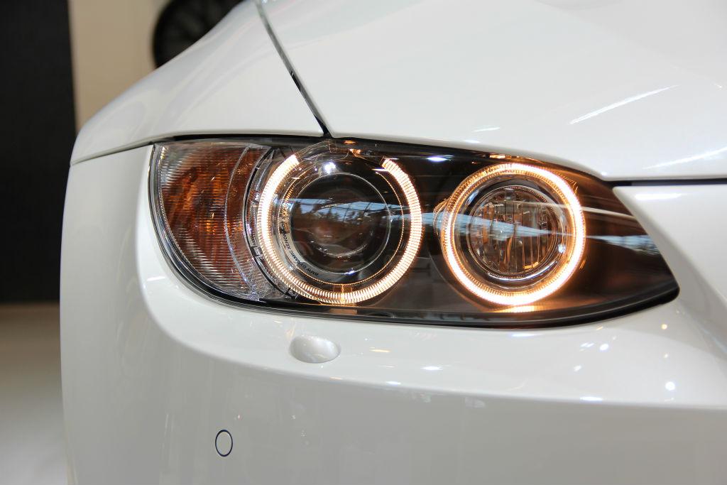 BMW M3 E92 mit Standlichtringen.