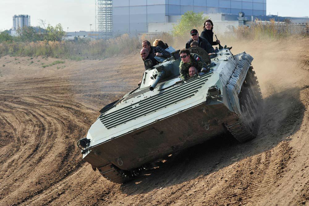 panzer-fahren-bmp-steilkurve2