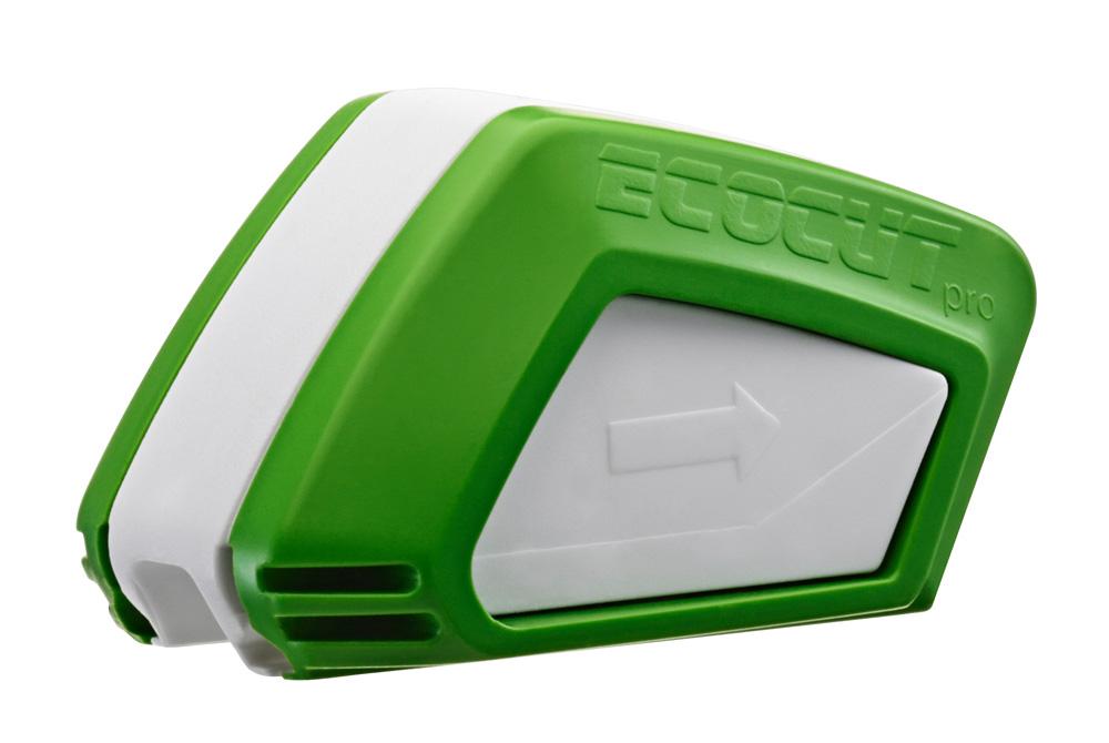 Mit dem ECOCUT Pro des gleichnamigen Herstellers kann man Scheibenwischer durch Nachschneiden erneuern.