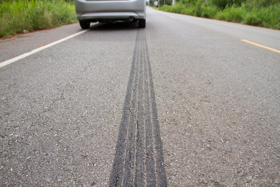Eine Vollbremsung kann Spuren hinterlassen, auch bei den Bremsen.